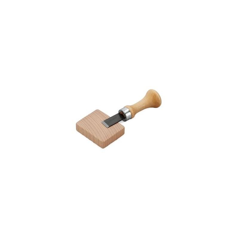 Knoopsgatbeitel met houten blok